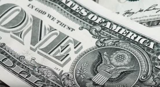 рубашка доллара США