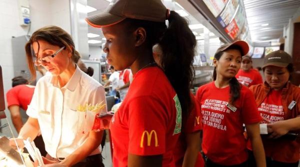 Макдональдс увольняет людей