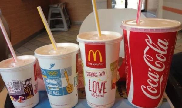 Макдональдс отказывается от пластика