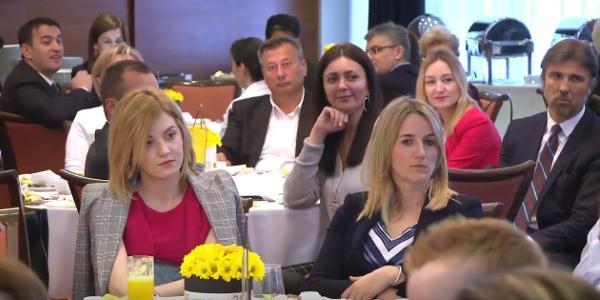 бизнес сообщество на бизнес форуме в Венгрии